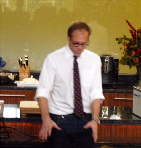 Alton Brown Doing A Demo